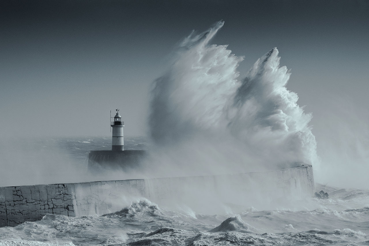 newhaven storm lighthouse