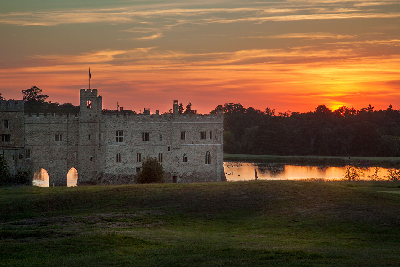 leeds castle summer sunset